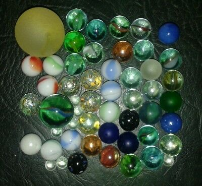 LOT OF 50+ MIXED LARGE & SMALL VINTAGE & MODERN GLASS MARBLES 8mm to 35mm (b)