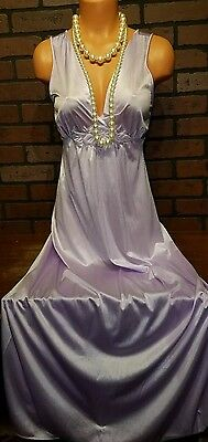 Vanity Fair Vintage Embroidered Purple Nylon Plunge Gown Long Sweep S 32 34 Bust