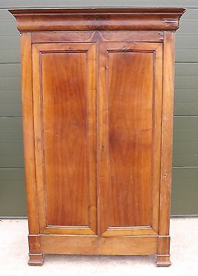 ANTIQUE EARLY C20th CONTINENTAL ARMOIRE WARDROBE - NEEDS SOME RESTORATION