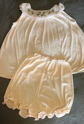 Vintage Babydoll Nightie w/ Matching Panties - Size M - Girly and Adorable!