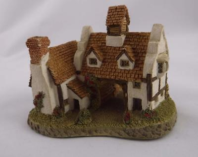David Winter Schoolhouse 1985 Hand made and painted Great Britain