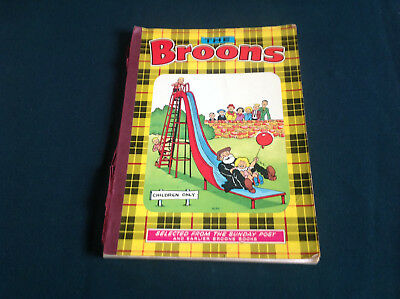 Old Book- The Broons- Dc Thomson Glasgow Cartoon Book - Dated 1975