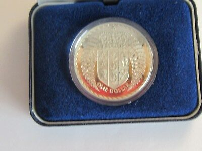 1979 New Zealand $1 Sterling Silver Coin w/ box & capsule