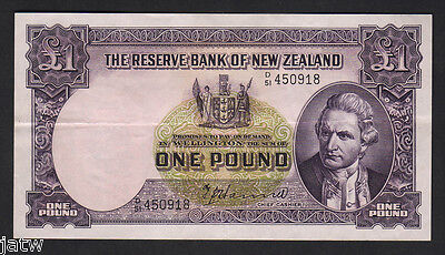 NEW ZEALAND P-159a. 1 Pound (1953) - Hanna.  Letter over Date D/51.. aEF
