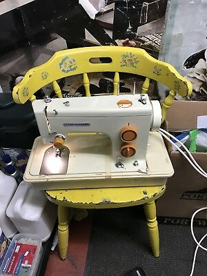 ELECTRIC frister rossmann sewing machine 602 WITH PEDAL AND CASE