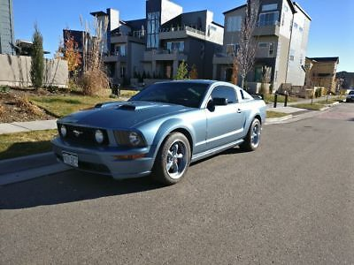 2005 Ford Mustang GT 2005 Mustang GT Deluxe