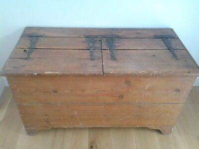 Antique Vintage Old Pine Chest /Trunk /Blanket Box / Coffee Table