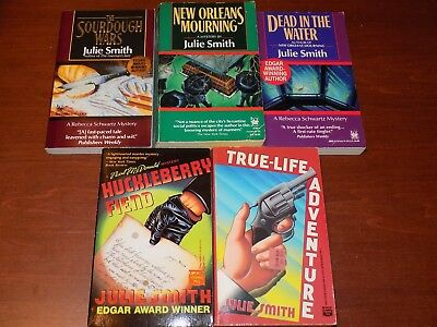Lot of 5 Julie Smith books - paperback mystery