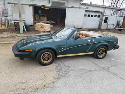 1979 Triumph TR7 GOLD 1979 TRIUMPH TR7 VERY NICE SOLID CAR LOOK NO RESERVE.