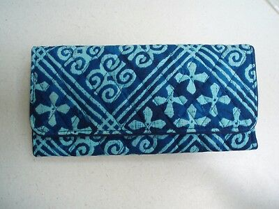 NWT Vera Bradley Trifold Wallet in Cuban Tiles – Blue  15707-G03  $42 Retail