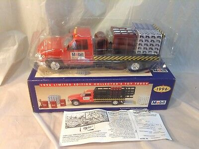 1996 No. 4 SERIES MOBIL TRUCK 1/24 NEW IN BOX