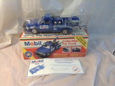 1995 Series 3 Mobil Tow Truck 1/24 New In Box
