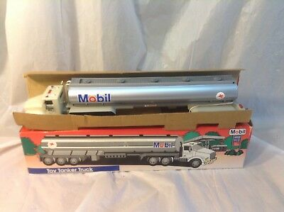 1993 Mobil Toy Tanker Truck New In Box