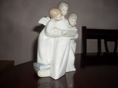 Nao by Lladro Rare figurine Three singing choir angels