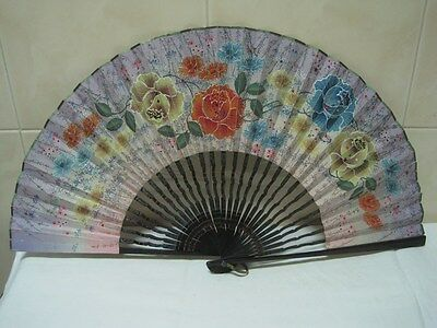Antique fan in wood paper with flowers multicolor