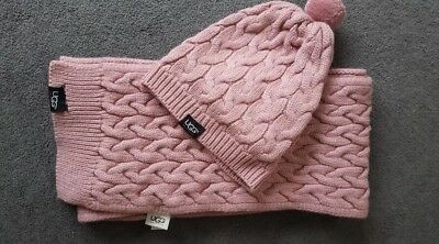 Original UGG Australia warm hat and scarf set in pink, great condition