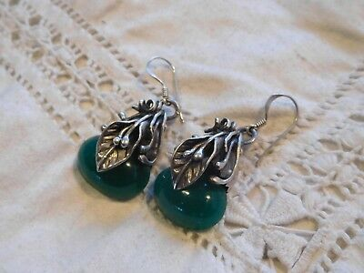 Gorgeous Decorative Sterling Silver Green Glass Drop CALA Lily Earrings