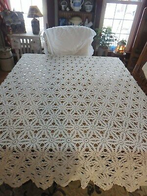 Vintage Handmade Crocheted Lace Ecru Tablecloth Bedspread Medallion Scalloped