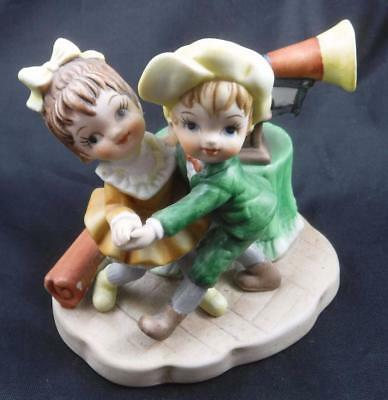 Enesco Kim Anderson #TWR-7135 Boy Girl Dancing Victrola Pretty as a Picture?