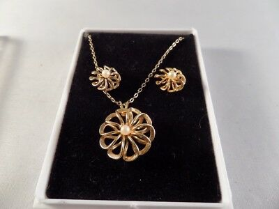 Vintage Gold Tone and Faux Pearl Flower Necklace and Earrings H2