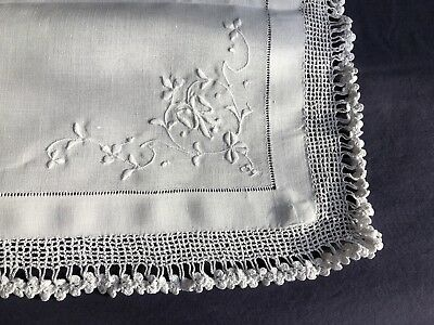 Edwardian Vintage Irish Linen Butlers Tray Cloth Crocheted Edging & Embroidery