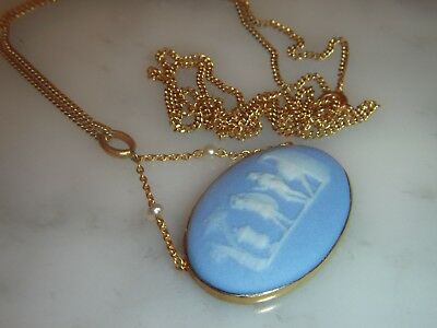 A Stunning Antique 9 Ct Gold Wedgwood And Seed Pearl Cameo Pendant & Chain