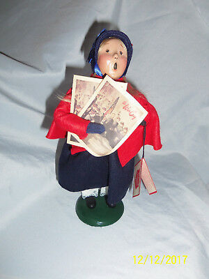 1995 Byers Choice Caroler Salvation Army Girl w/War Cry Newspaper Exc Cond w/Tag