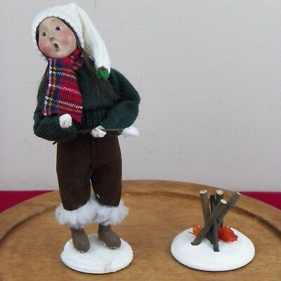 Byers Choice Caroler Girl Child Roasting Marshmallow Fire Signed 39/100 2000