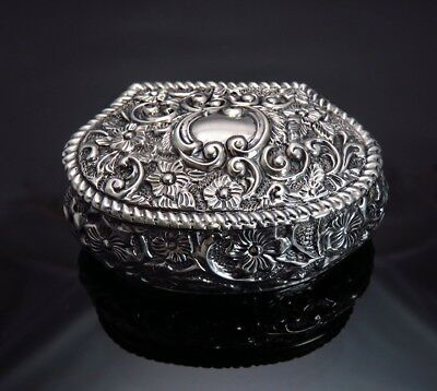 Antique 1901 English Sterling Silver Repousse Snuff or Dresser Box