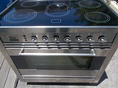 ILVE 900mm freestanding oven ceramic top multifunctional  fanforced