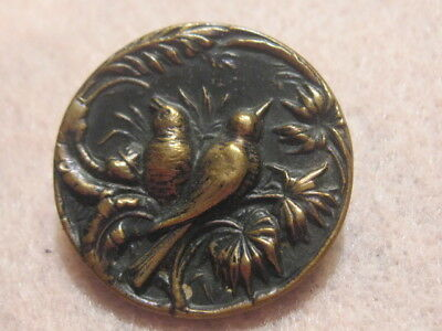 Antique Button: Picture of pair of birds in palms