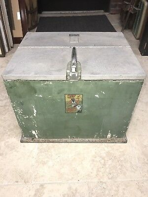 Vintage Mountain Dew Green Cooler Freezer Latched Box Soda Pop Collectible Heavy