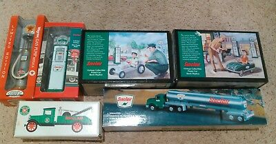 Lot of SINCLAIR 1996 PEDAL CARS And Pump BANKS IN BOX ~ NEW OPENED FOR PICTURES