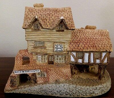 David Winter Cottages - MARKET STREET - 1980, Made in ENGLAND. No box or COA,