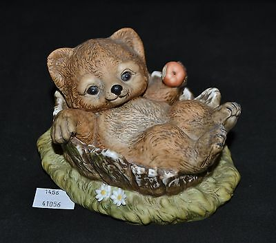 ThriftCHI ~ Homco Masterpiece Ceramic Figurine Bear Cub w Apple 1986