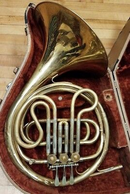 Vintage (1963) Holton Collegiate Single French Horn In Great Shape W/ Hard Case!