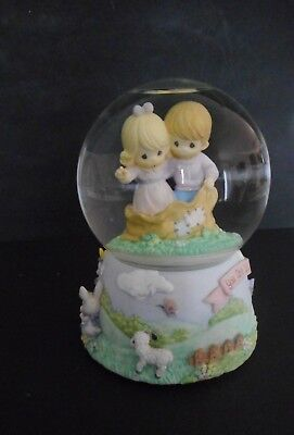 """Precious Moments Musical Snow Globe Waterball Rotating """" Ring Around The Rosie """""""