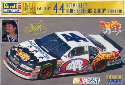 Revell Monogram 1:24 Kyle Petty #44 Hot Wheels Blues Brothers 2000 Kit #85-4136