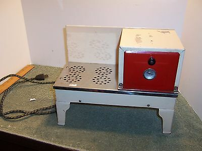 Vintage Superior Electric Children's Toy Stove/Oven 1940-1950's USA Tin Litho