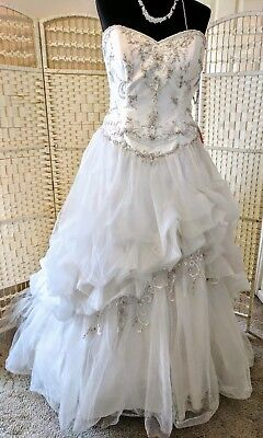BNWT. Stunning beaded ball gown wedding dress by ALFRED ANGELO. Size 18....