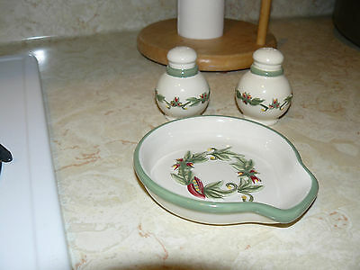 Tenderheart Treasures TUSCAN SALT & PEPPER With SPOON REST Set NEW