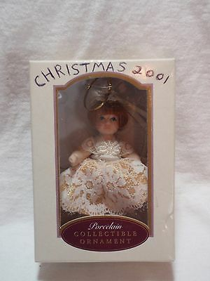 2000 DG Creations Collectible Porcelain European Style Poseable Doll Ornament NB