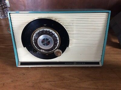 Vintage GE General Electric Model 862 1950s Classic Tube Radio turquoise