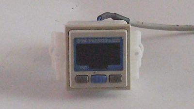 SMC Digital Readout Pneumatic Vacuum Switch ZSE30-01-65 12-24VDC  Surface Mount