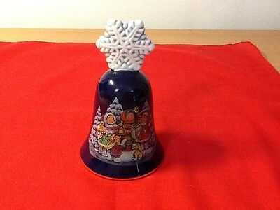 Collectible Avon Chistmas Bell - 1987 - Porcelain And Gold Rimmed