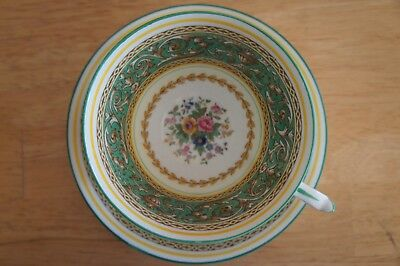 (1)Paragon by Appointment Tea Cup Saucer Green Made in England Corinthian