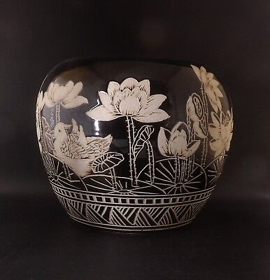 Antique/Vintage CHINESE ENAMEL PORCELAIN Pot Black & White