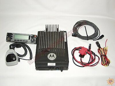 MOTOROLA XTL5000 110WATT VHF 136-174mhz DIGITAL M20KTS9PW1AN + RADIO HEAD + MORE