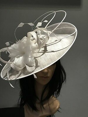 50f28e37 NIGEL RAYMENT WHITE BLACK WEDDING ASCOT FASCINATOR DISC HAT MOTHER OF THE  BRIDE