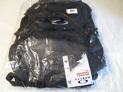 Oakley Dry Goods Collection Backpack New With Tags Msrp $ 140
